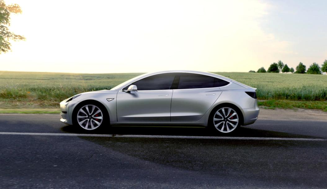 Tesla Model 3, côté