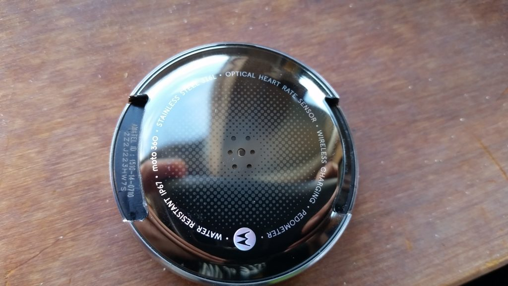 Modification-to-reduce-chance-of-cracking-in-Moto-360-4